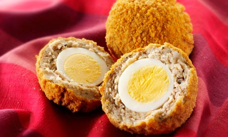 Scotch eggs o huevos a la escocesa